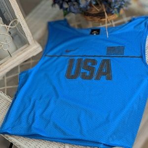 Nike crop jersey size M